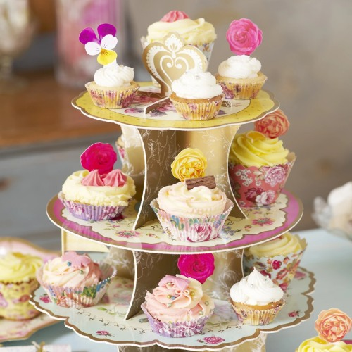 Cakes & Cupcake Stands
